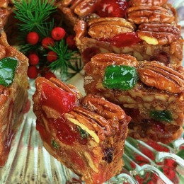 Deluxe_Fruitcake_close_up_