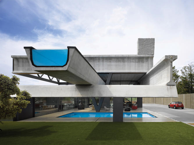 3044508-slide-s-9-the-future-of-architecture-glass-hemeroscopium-house-by-ensamble-studio-photo-by-roland-halbe